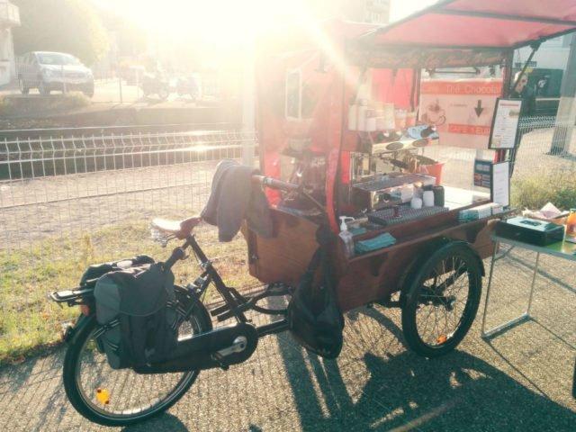 triporteur cafe gare peage du roussillon