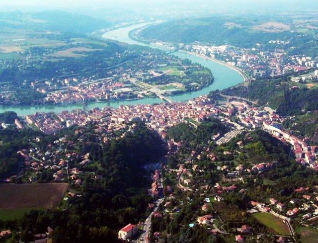 Vienne et Saint-Romain-en-Gal et le fleuve Rhone