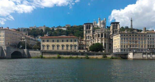 Vaporetto berges de la Saone et vieux Lyon