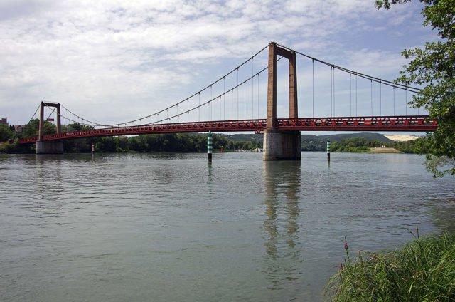 Pont de Viviers à Chateauneuf-du-Rhône