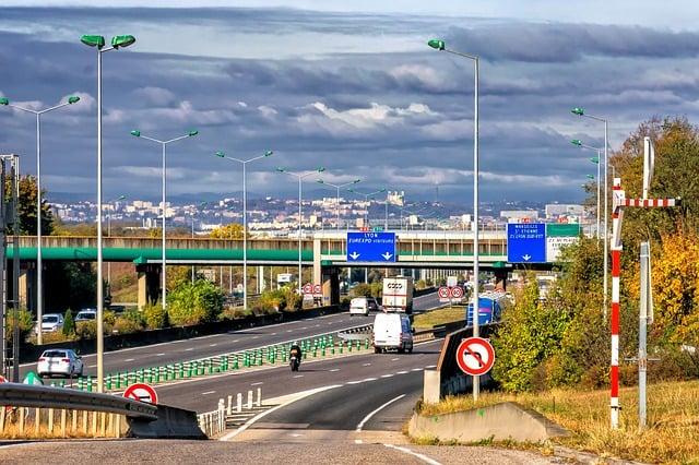 Routes, autouroutes, trafic : Transports en vallée du Rhône