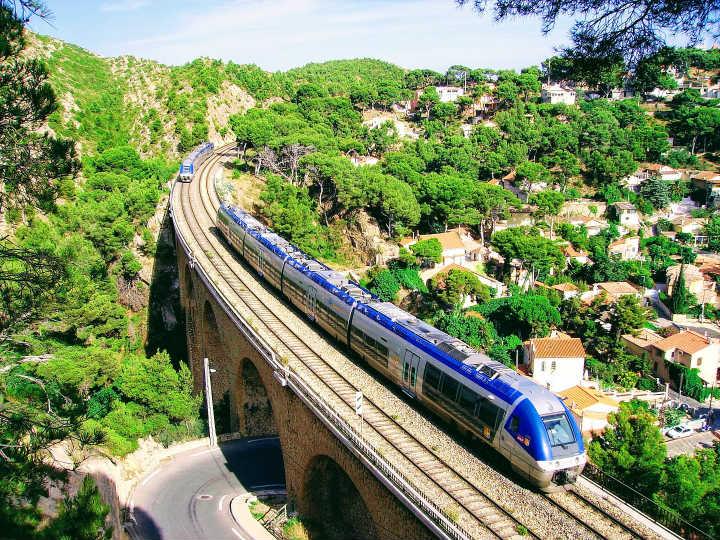 TER ligne 7, train de la côte bleue